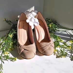 Call it Spring Wedge Tan Suede size 6